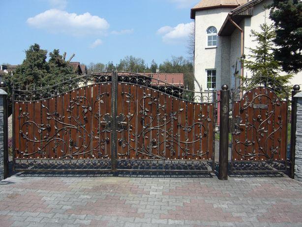 Brama wjazdowa, kuta furtka, ogrodzenie metalowe