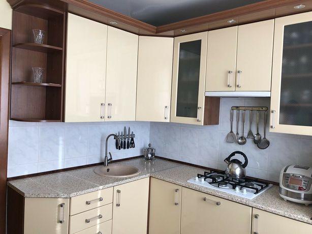 Кухня кухонный гарнитур шкаф на кухню+ мойка керамика и кран (доставка