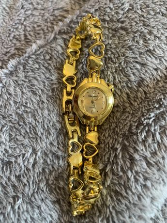 Zegarek w kolorze złota