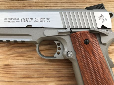 Airsoft (CO2) COLT 1911 Government Model Blowback FULL Metal