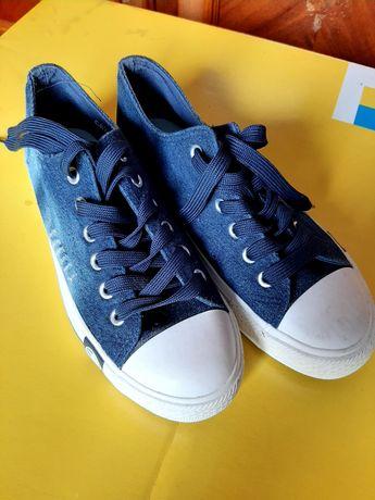 Кеди,кросівки,взуттяр.39