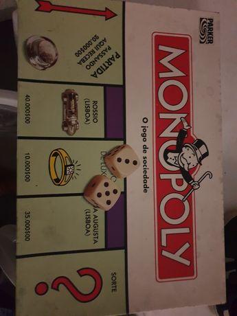 Jogo monopólio em.escudos completo