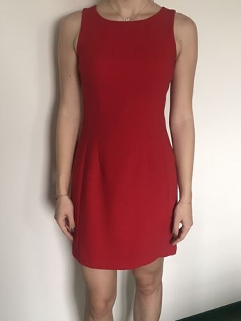 Czerwona sukienka - 36