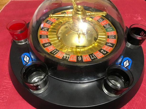 Сувенир-рулетка с набором рюмок