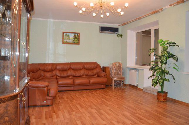 продам 2-кімнатну квартиру 63 кв.м з автономним опаленням на Польовій