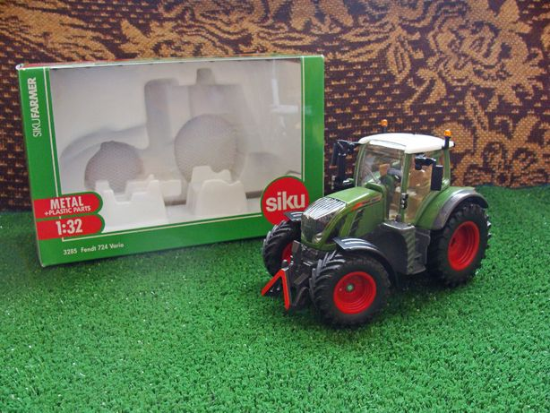 Siku Traktor Fendt 724 Vario skala 1:32 OKAZJA! (proszę czytać opis)