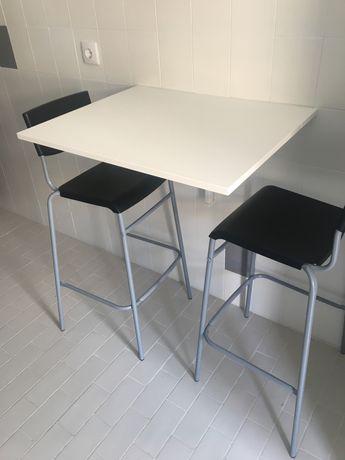 Mesa e cadeiras ikea