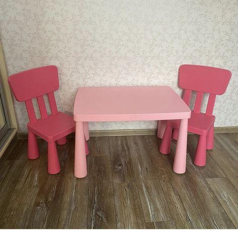 комплект IKEA стол и два стульчика