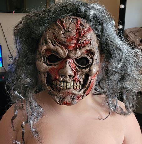 Маска Halloween.