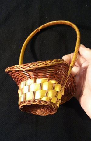 Плетеная корзинка с натуральной соломы