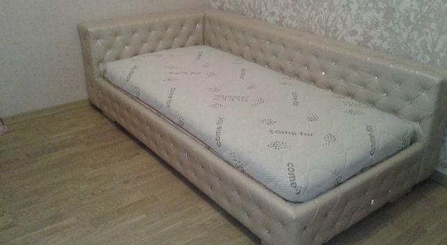 Срочно Эксклюзивная кровать с новым матрацем.