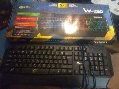 Клавиатура, в хорошем состоянии, 200 гр