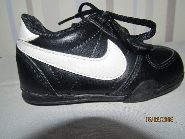 Кроссовки Nike 21р