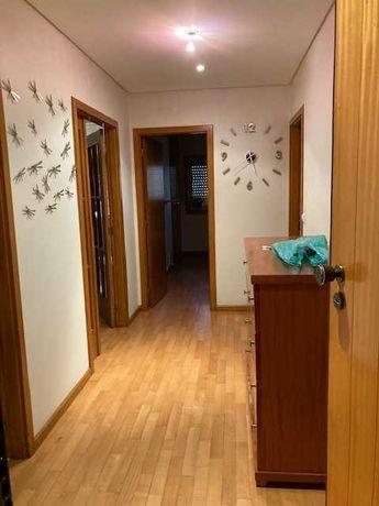 Apartamento T1, com lugar de garagem em Braga (S. Vitor)