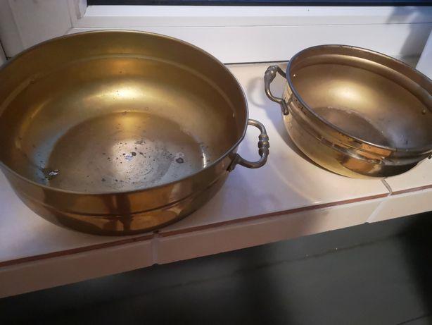 Dwie stare mosiężna miski