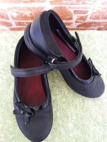 Clarks.школные туфли 19.5см стелька