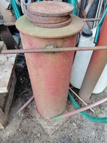 Urządzenie do impregnacji słupków ogrodzeniowych