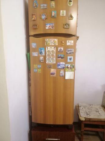 Продам холодильник « Индезит»