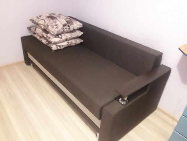 Продаэться диван. Новий. Дуже гарний і зручний.