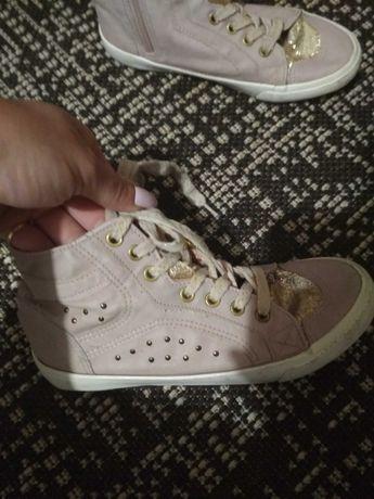 Кеди,кроссівки на дівчинку.