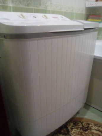 Продам машину стиральную полуавтомат, рабочую 6 кг-2500 руб