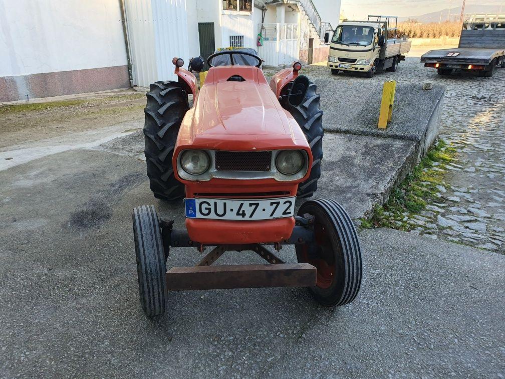"""Trator kubota l285 30 cv """"muito bom estado 1700h"""