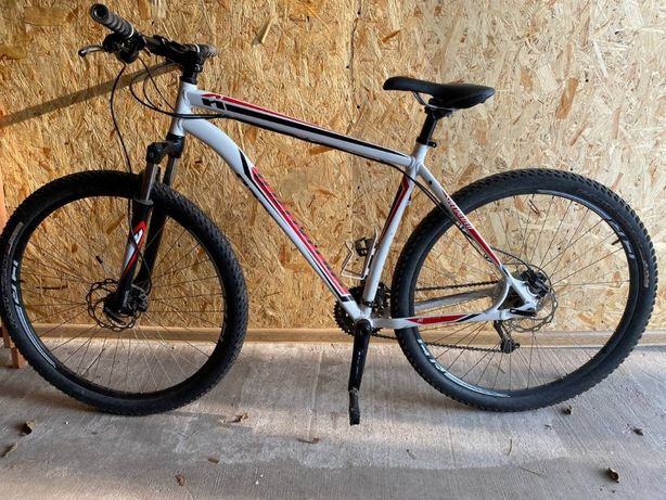 Продам велосипед Specialized HARDROCK SPORT DISC 29