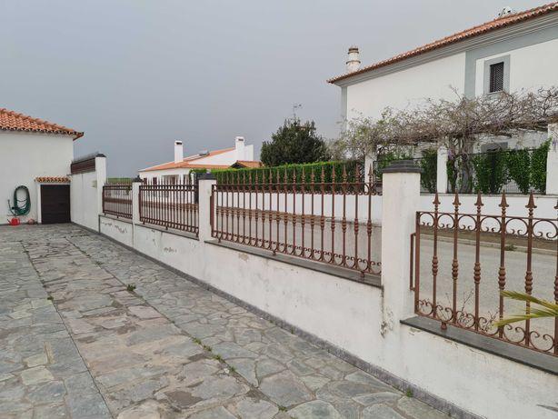 Grades de muros e varandas e portões