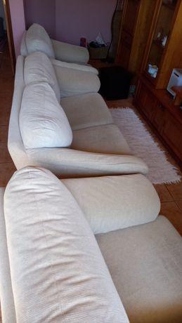 Sofá grande e dois pequenos