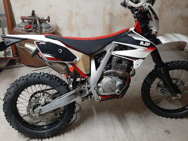 AJP PR4 240 Enduro