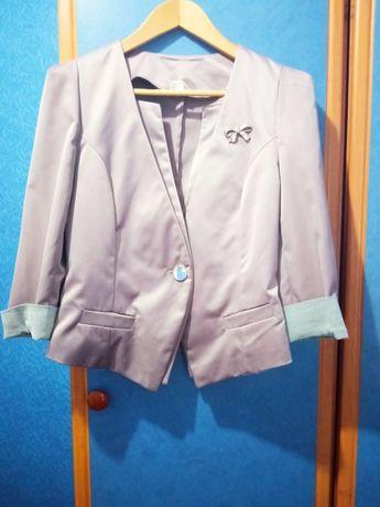 Пиджак сиреневого цвета