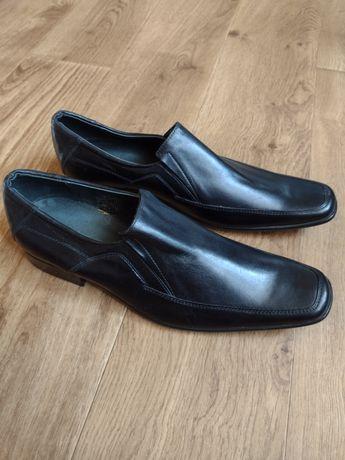 Продам мужские туфли 44р