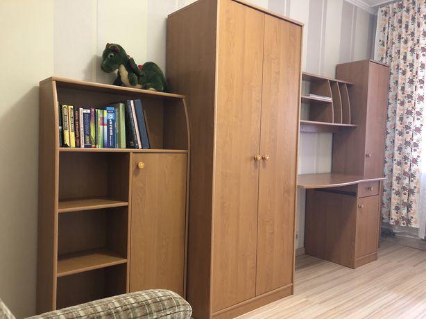 Комплект мебели стенка+ рабочий стол