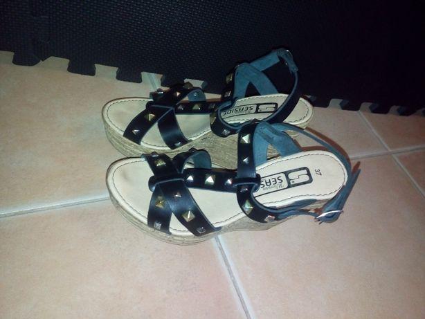 Vendo sandálias Seaside