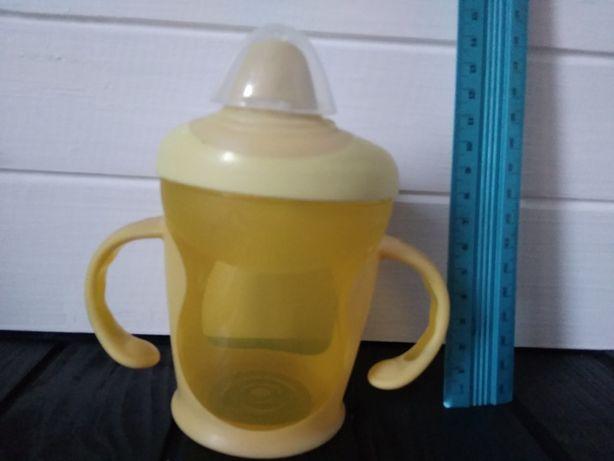 Чашка непроливайка с колпачком, первая кружка, поильник