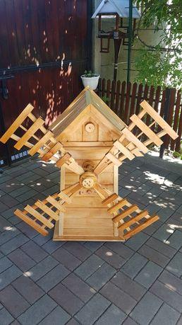 Деревянная мельница, декор