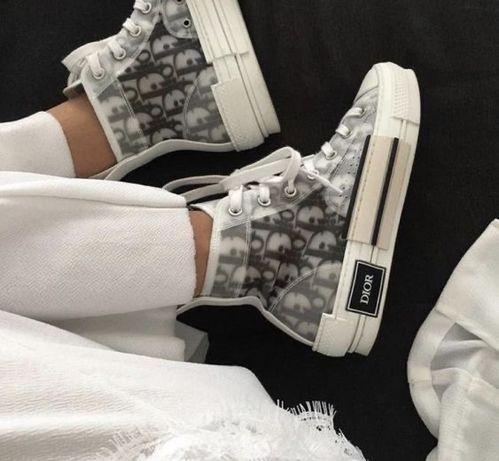 Диор кроссовки