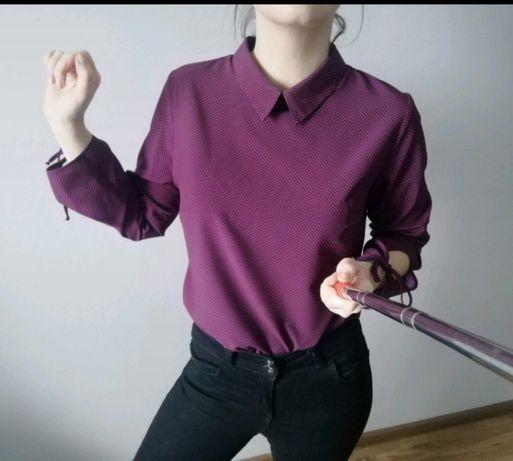 Koszula z wiązaniami przy rękawach