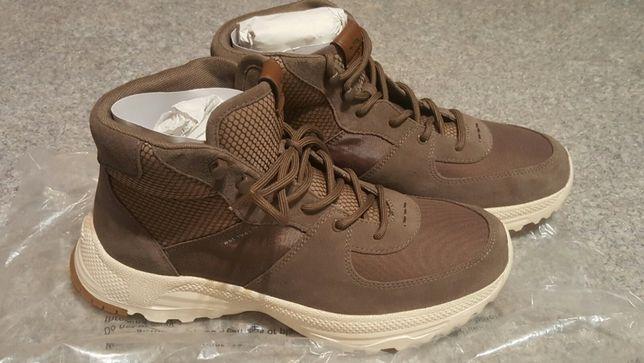 Продам новые ботинки Coach