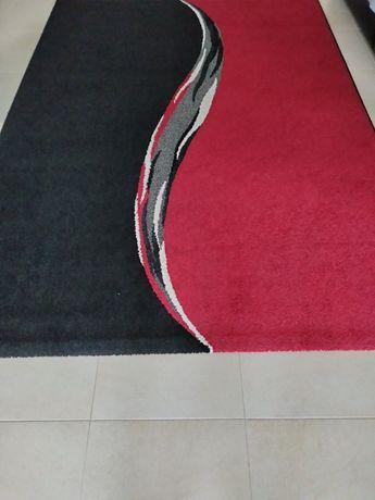 Carpete grande como nova