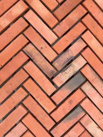 Płytki z cegły, wiśniówka, lica, gładkie, cięta cegła, renowacje
