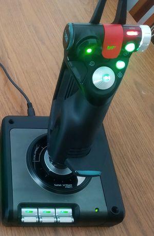 Joystick Saitek Logitech X52 Pro Flight System