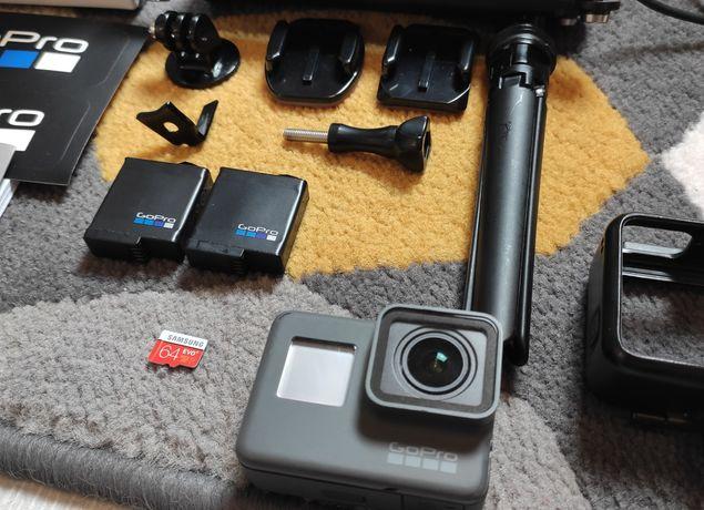 GoPro Hero 5 Black - zestaw, dwie baterie, selfie stick, 64GB, 4K