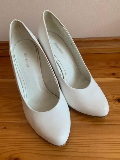 Białe buty na obcasie, ślub, stan bardzo dobry