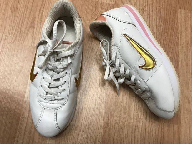 Кроссовки Nike оригинал натур. кожа Р41/42 ст.26,5-27см