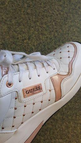 Obuwie sportowe damskie  firmy Guess