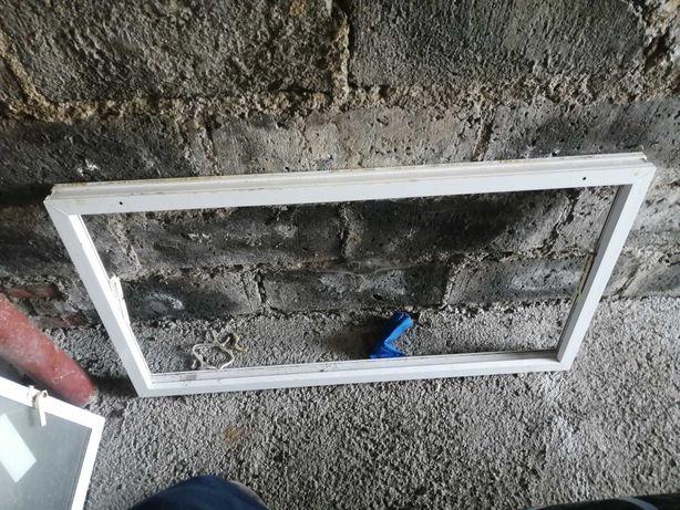 Okno inwentarskie zbite