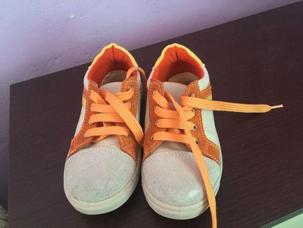 Дитяче взуття 27 розмір