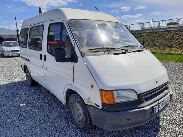 Ford Transit / Diesel / 9 - osobowy / Hak
