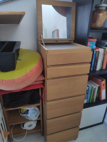 Vendo 1 comoda e 2 mesas cabeceira MALM - carvalho (ikea )